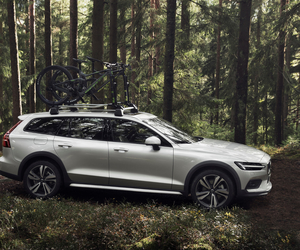 Volvo V60 Cross Country: Robuste Familienkutsche